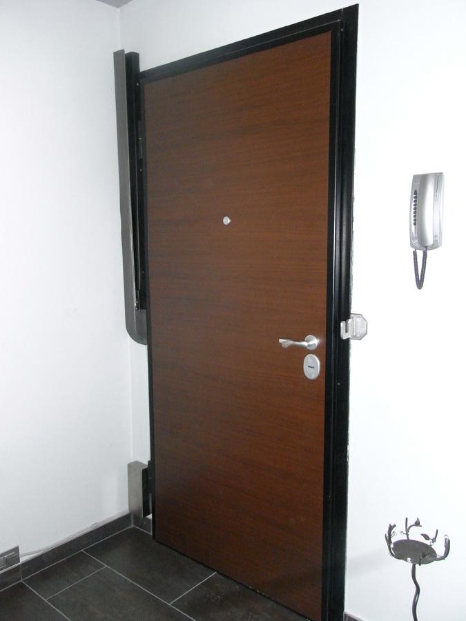 Galleria immagini security blind - Barre antintrusione per porte di casa ...