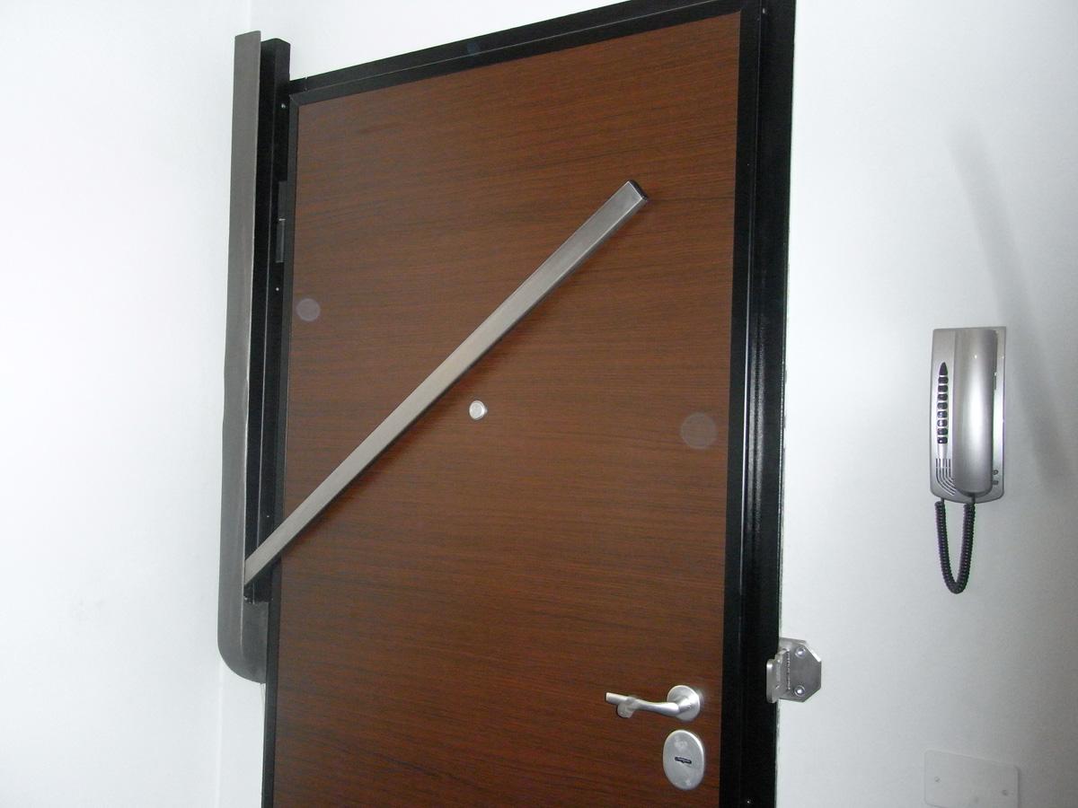 Galleria immagini security blind - Spranga per porta ...